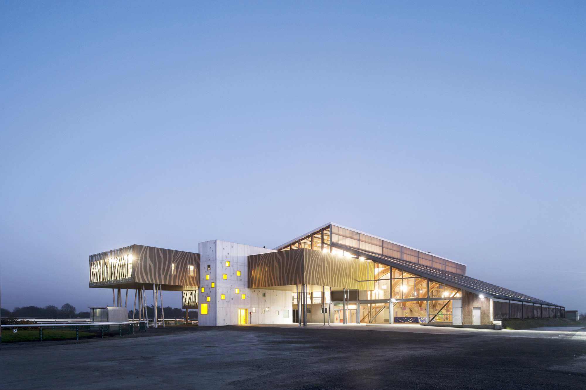 Gallery of the hippodrome de la baie nomade architects 1 for La architecte