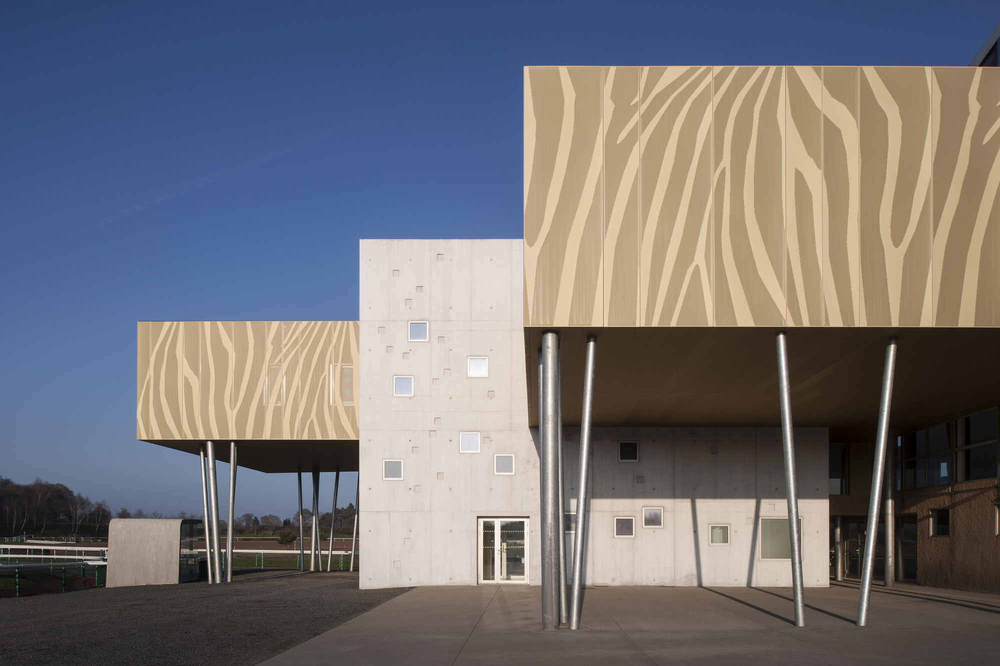 Gallery of the hippodrome de la baie nomade architects 8 for Architecture nomade