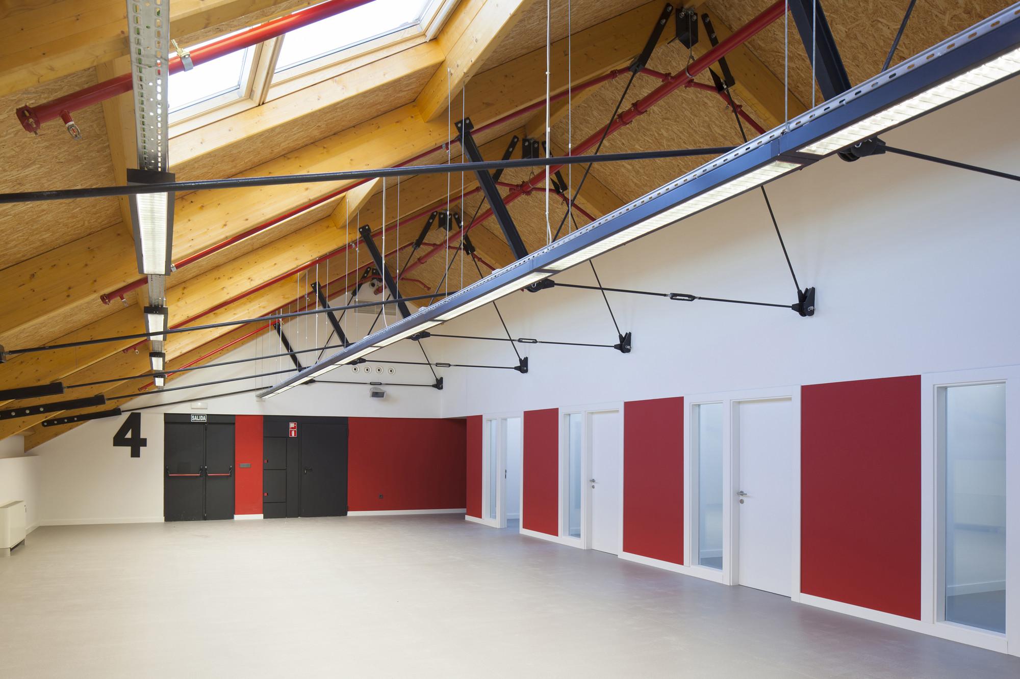 Centro de Recursos para el Aprendizaje y la Investigación (CRAI) de la Universidad de Alcalá  / CDE Arquitectura, © Bernardo Corces