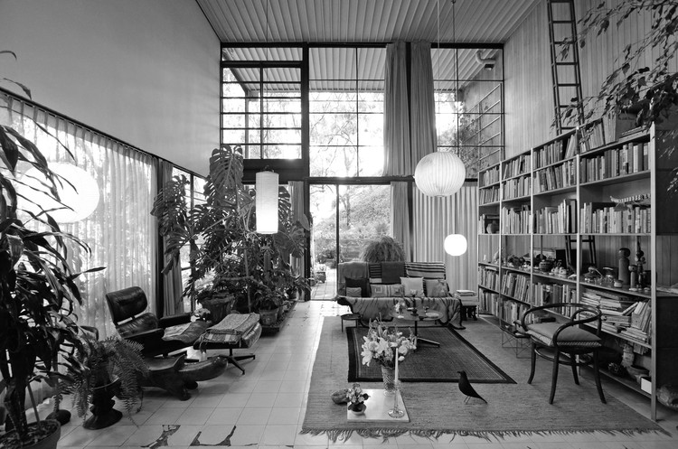 A Virtual Look Into The Eames Case Study House #8, Image Courtesy of Archilogic