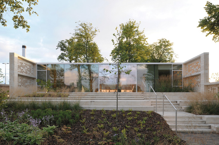 Maggie's Lanarkshire / Reiach and Hall Architects, © David Grandorge