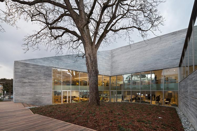Mediateca en Bourg-la-Reine / Pascale Guédot Architecte, © Hervé Abbadie