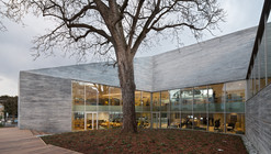 Mediateca en Bourg-la-Reine / Pascale Guédot Architecte