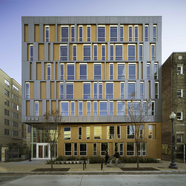 La Casa Permanent Supportive Housing / Studio Twenty Seven Architecture + Leo A Daly