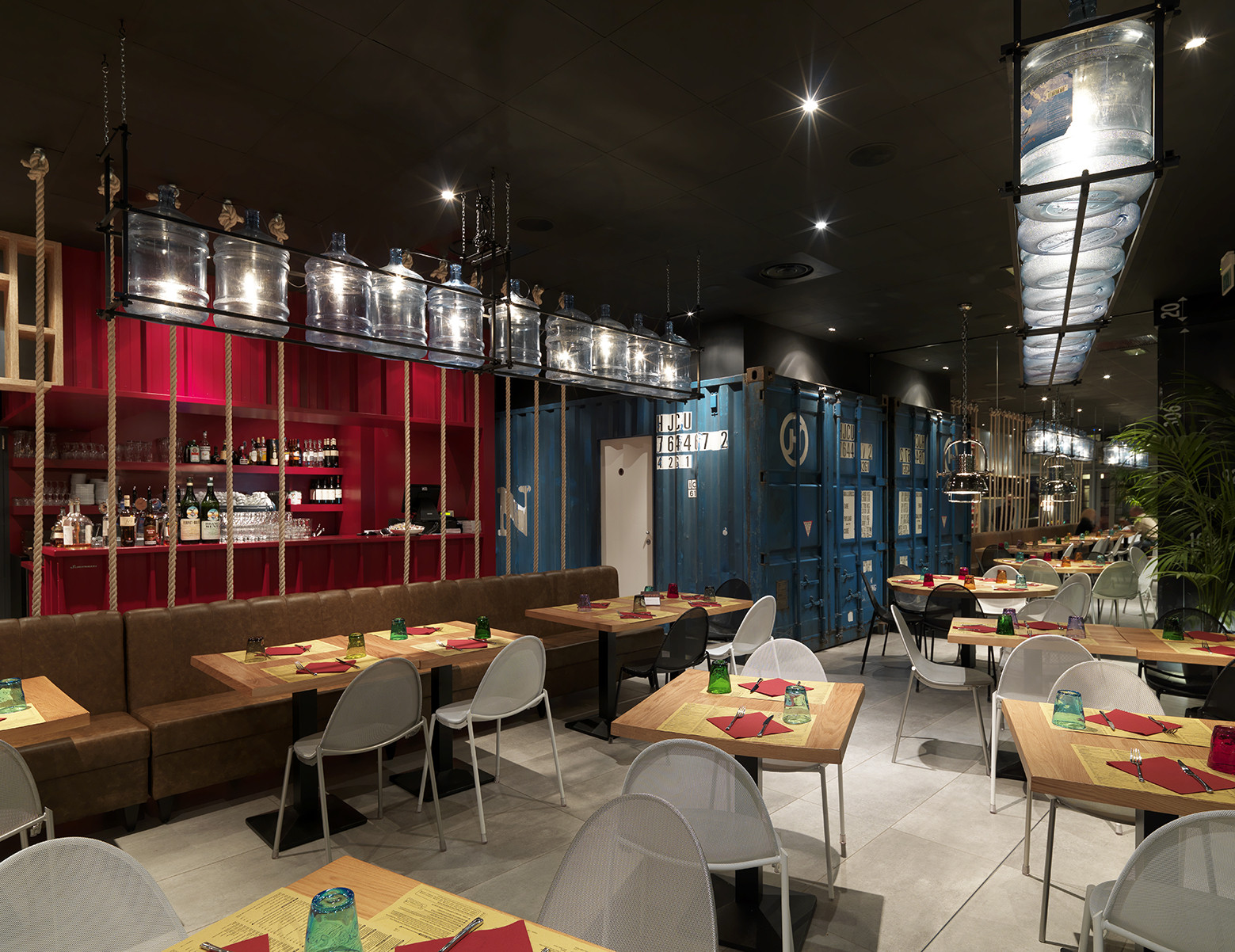 Gallery of pizzikotto andrea langhi design 6 for Restaurant reggio emilia
