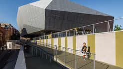 "Multifunctional Building ""Fondo"" / Pich-Aguilera Architects"