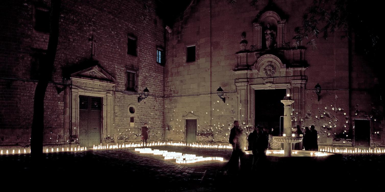 21 finalistas de los Premios Lamp Lighting Solutions 2015 , Between Silence and Light, España; por reMM © Robert Eleuteri. Image Cortesia de Lamp Lighting