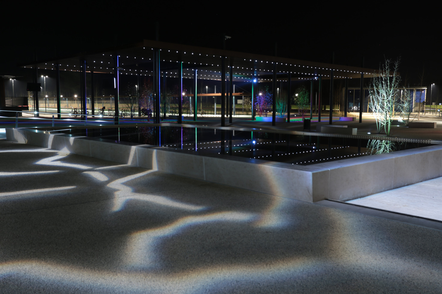PEM Dax, Francia; por Lionel BESSIERES © Quartiers Lumières. Image Cortesia de Lamp Lighting