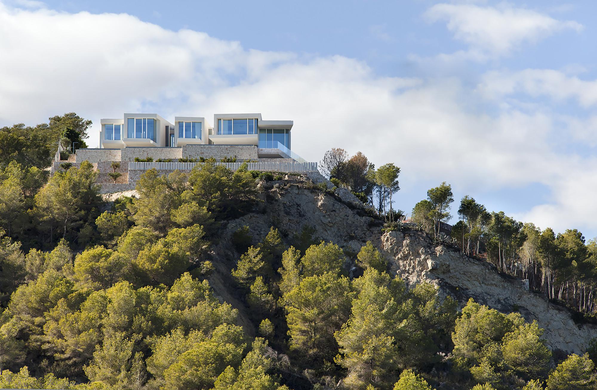 Sardinera house ram n esteve archdaily - Casa sardinera ...