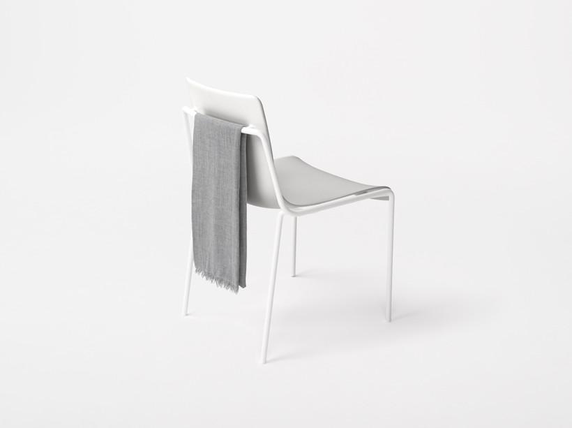 Offset-Frame Chair / Nendo. Imagen © Nendo