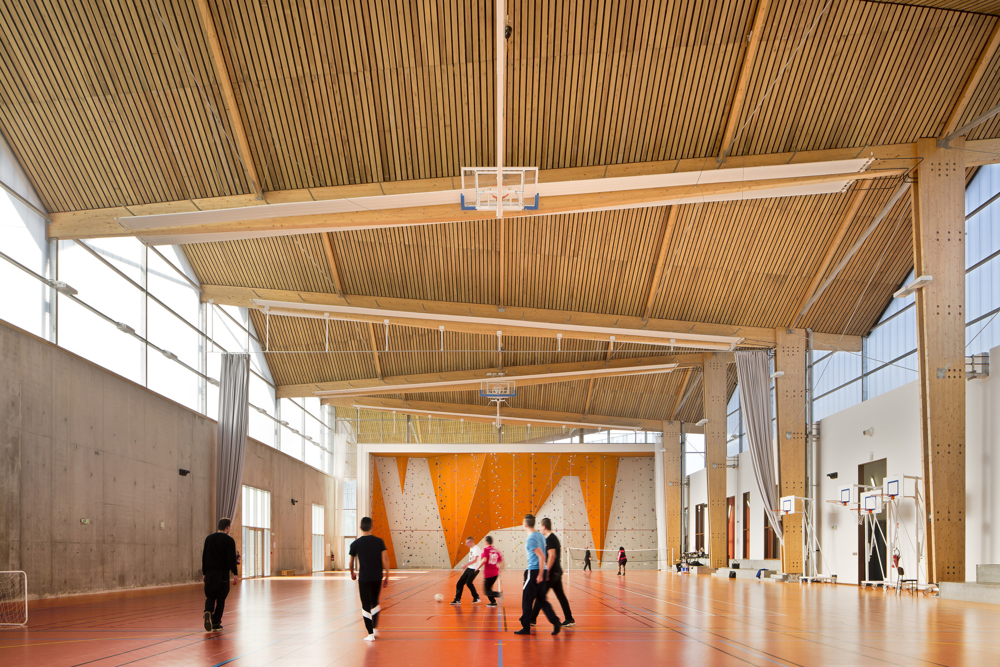 Louise michel and louis aragon high schools archi5 for Schule design