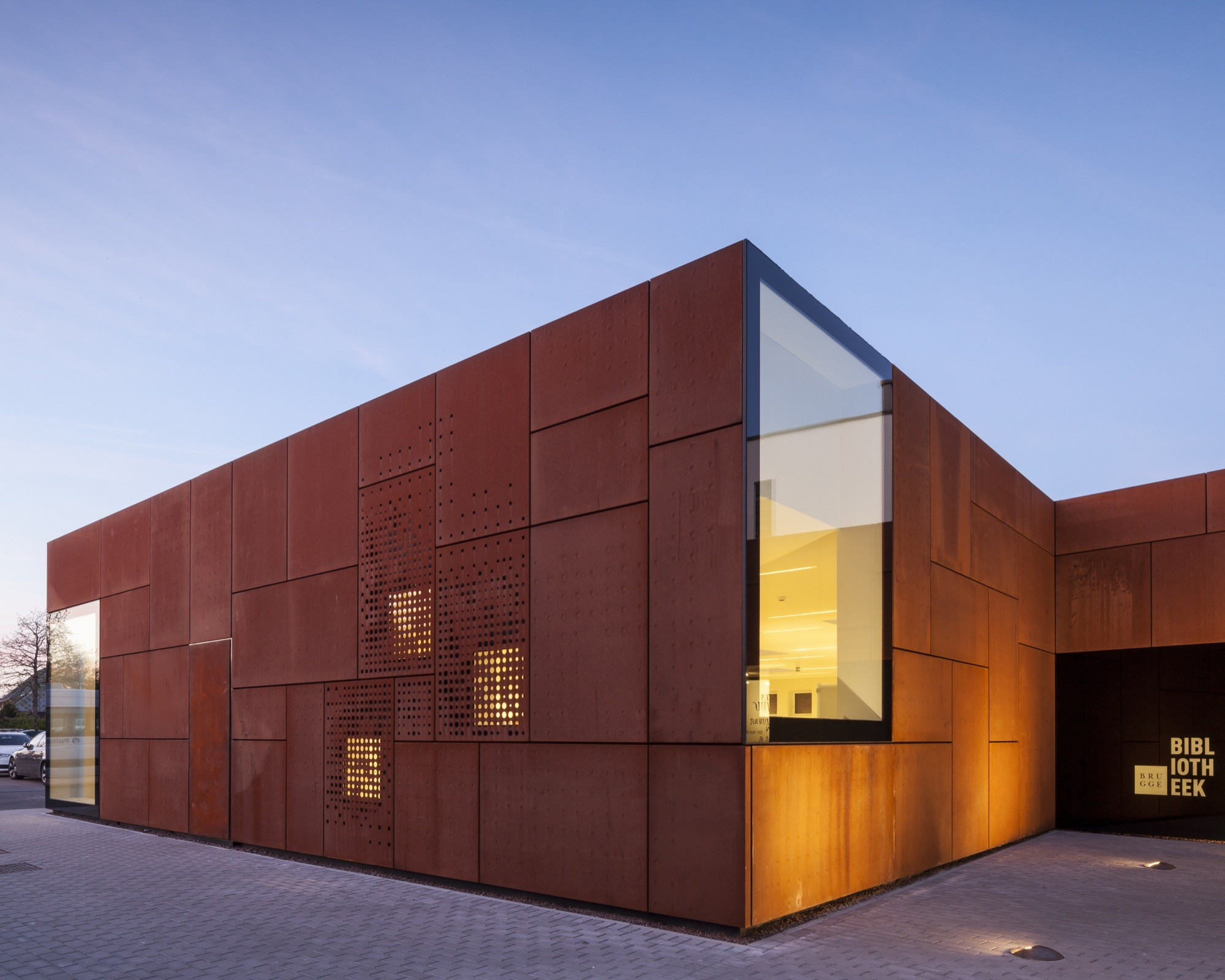 gallery of city library bruges studio farris architects 11. Black Bedroom Furniture Sets. Home Design Ideas