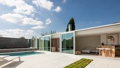 Poolhouse MRT / Steven Vandenborre Architects