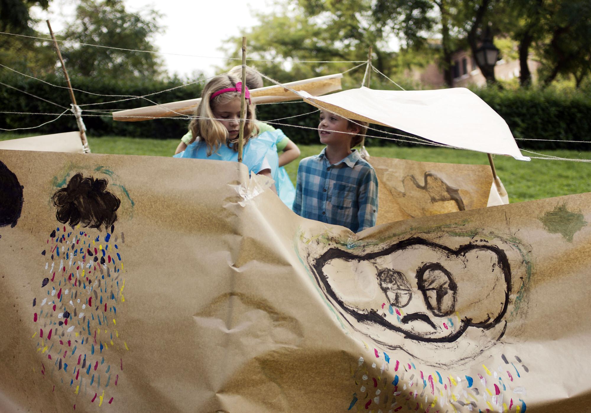 Refugios + emociones: propuesta de Claudia, Lucas y Marco  7, 9 y 8 años respectivamente. Image © Rosvima