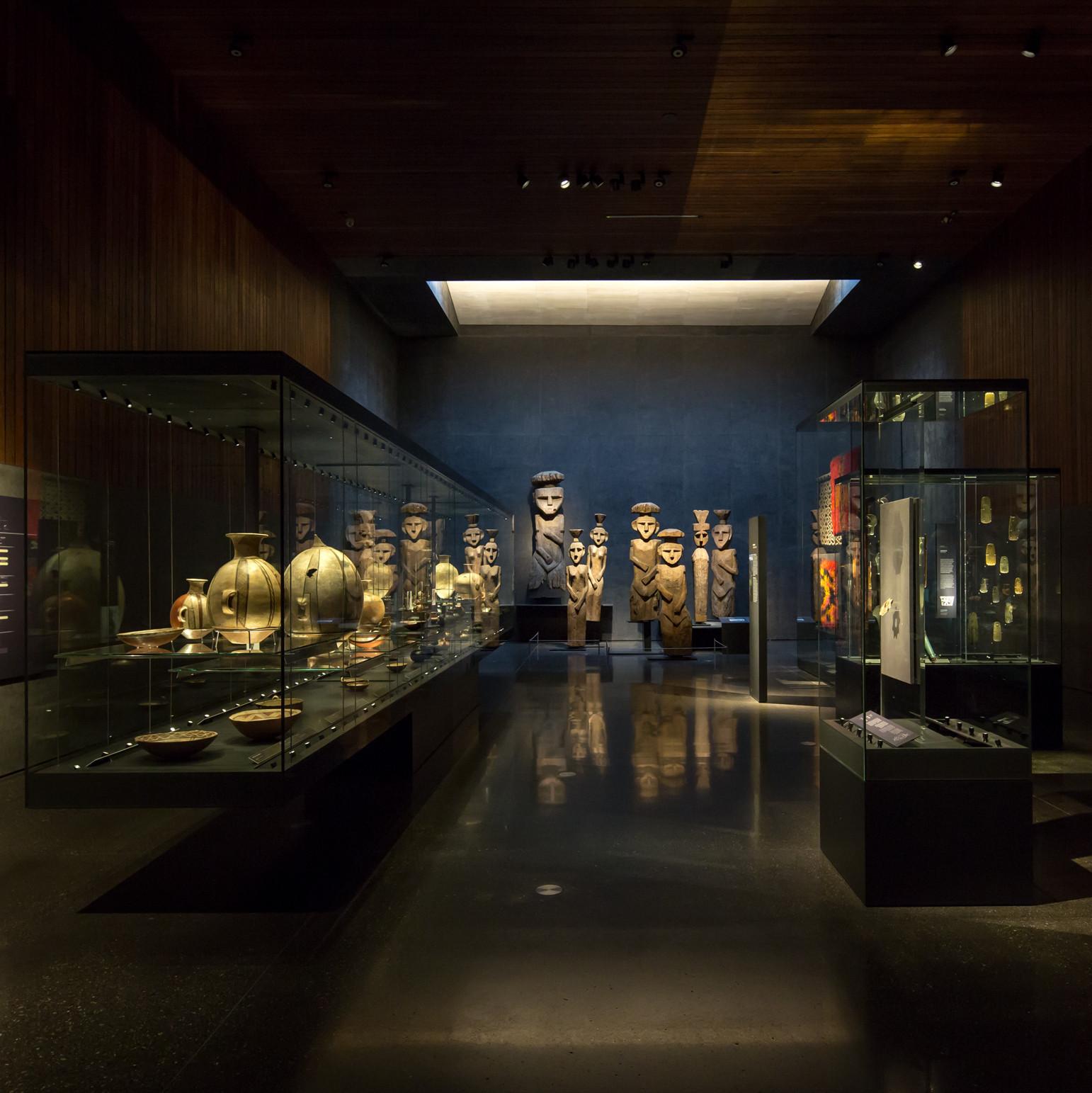 Museo Chileno de Arte Precolombino, Chile; por Limarí Lighting Design © Aryeh Kornfeld. Image Cortesia de Lamp Lighting