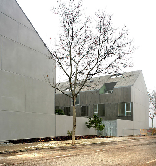 Habita o social vpo em ciudad real rojo fern ndez shaw archdaily brasil - Unifamiliares ciudad real ...
