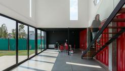 Container House  / José Schreiber Arquitecto