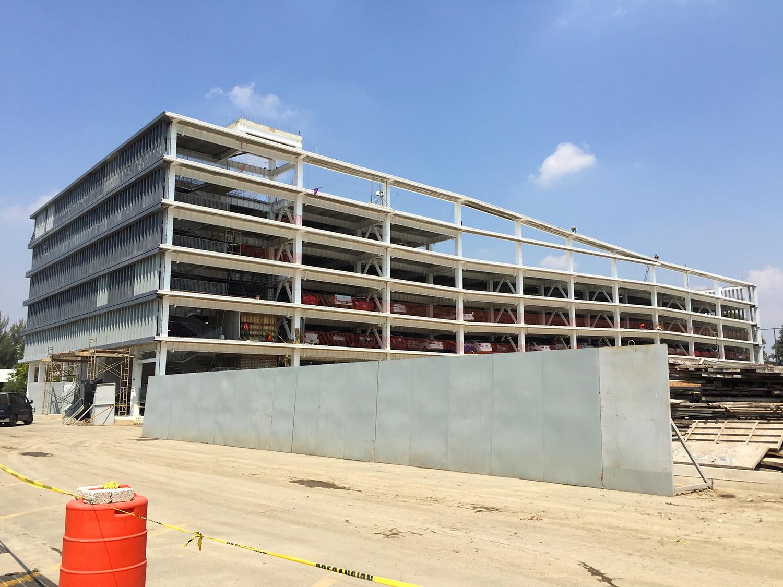 En construcción: Edificio de Estacionamiento