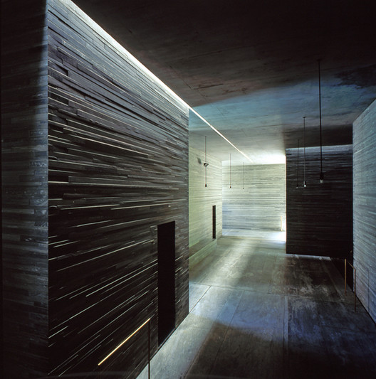 Therme Vals, Switzerland by Peter Zumthor. Image © Henry Plummer 2000
