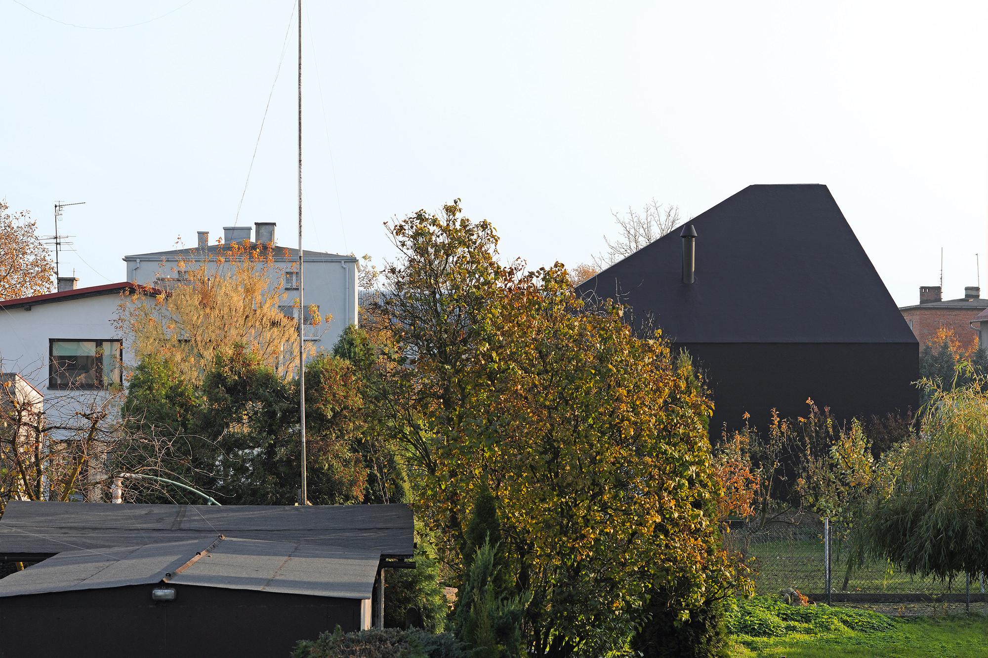gallery of house in lubliniec 2 dyrda fikus architekci 11. Black Bedroom Furniture Sets. Home Design Ideas