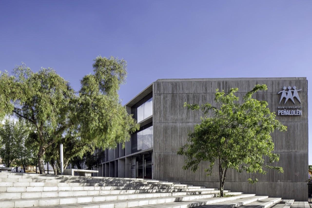 Peñalolen Community Center / Gubbins Arquitectos, Polidura + Talhouk Arquitectos, © Aryeh Kornfeld