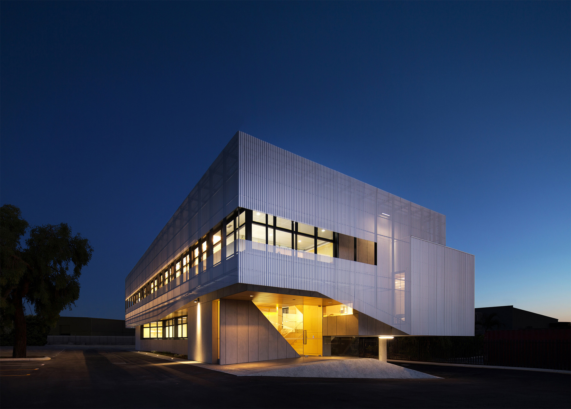 Sanwell office building braham architects archdaily for Office building architecture