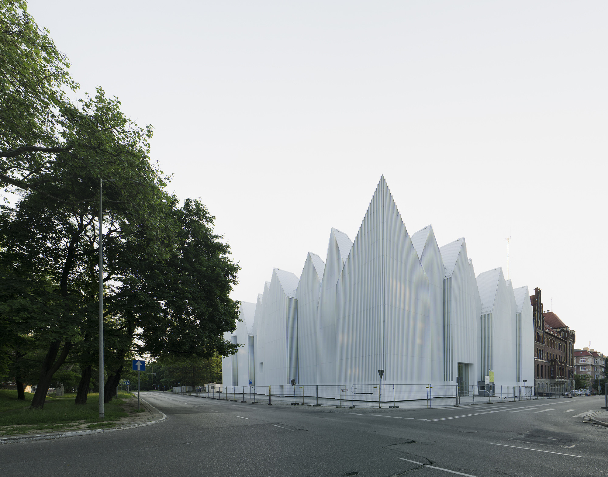 Archdaily exclusive coverage archdaily for Contemporary architecture