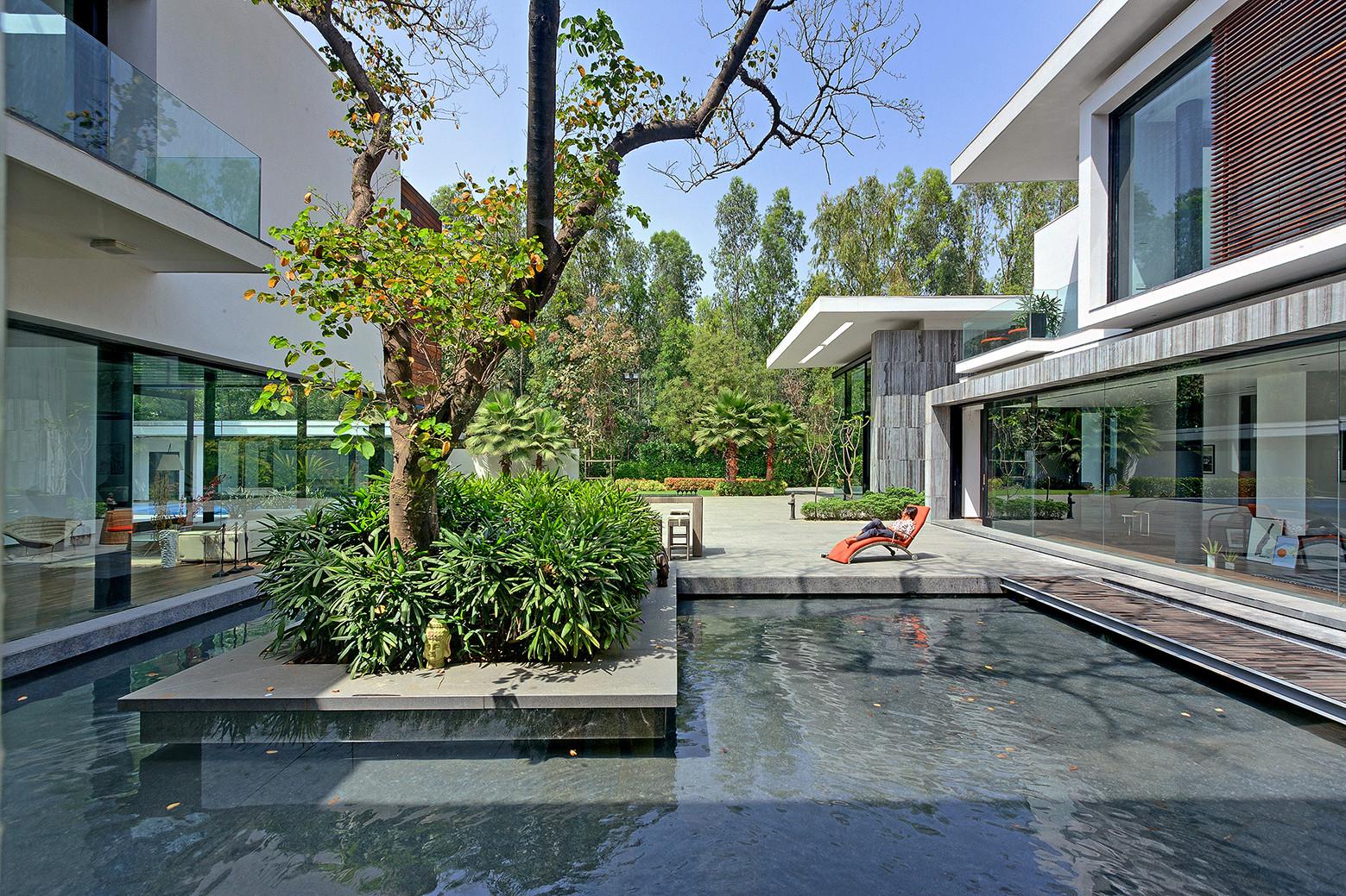 Three Trees House / DADA & Partners, © Ranjan Sharma /  Lightzone India