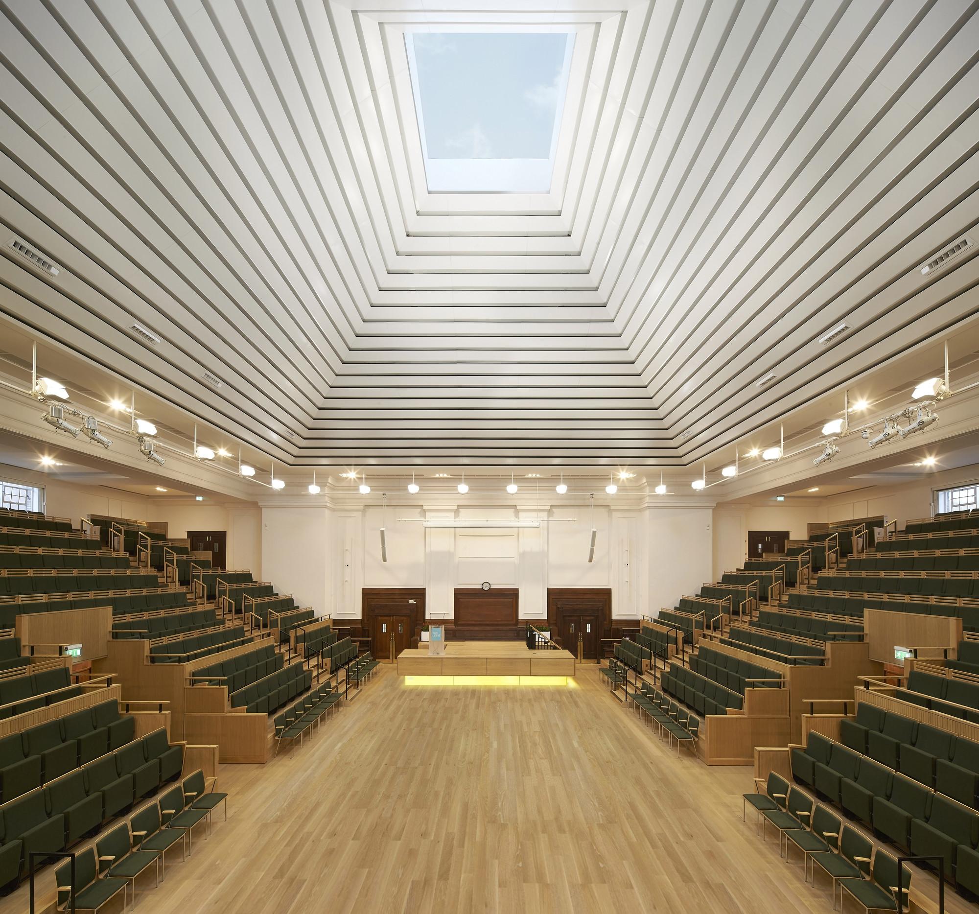New Light Theater Project: Friends House / John McAslan + Partners