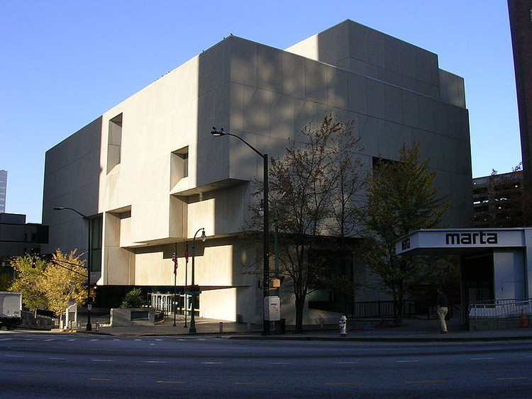 Atlanta Central Library, 1980. Image Courtesy of Wikimedia user Eoghanacht (public domain)