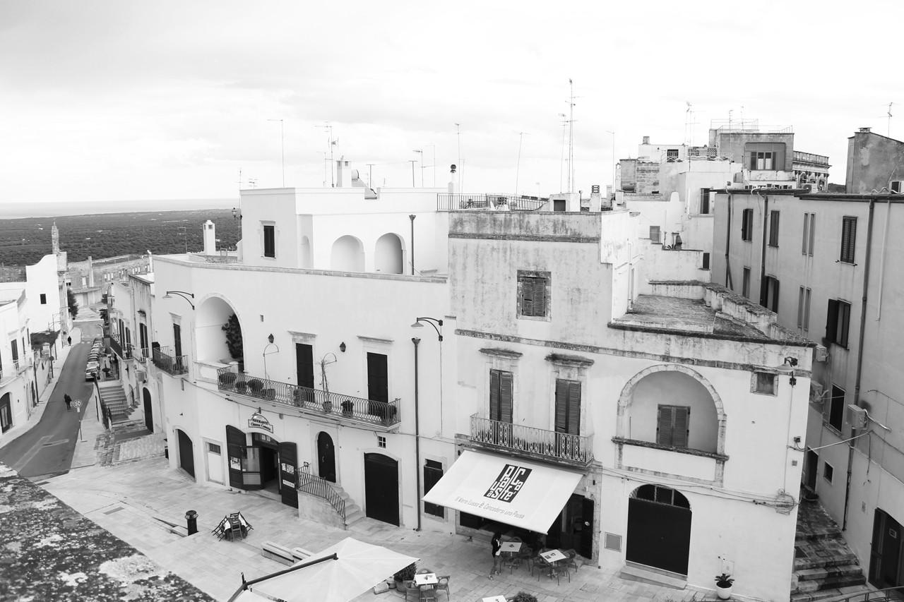 Arquitectura en Ostuni. Image Cortesia de Macarena Meza / Marcela Carmona