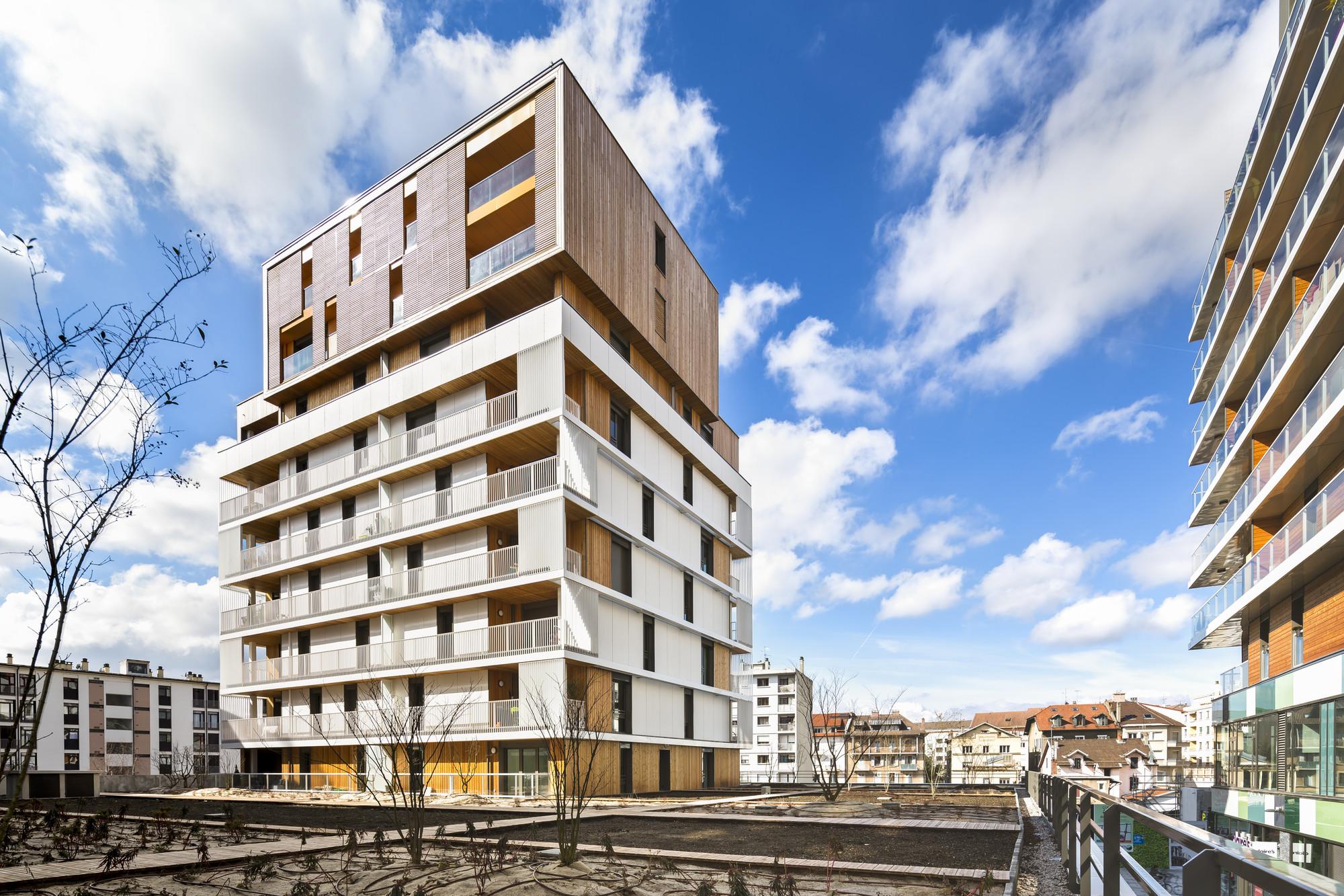 Complejo de Casas y Tiendas / Ameller, Dubois & Associés, © Sergio Grazia