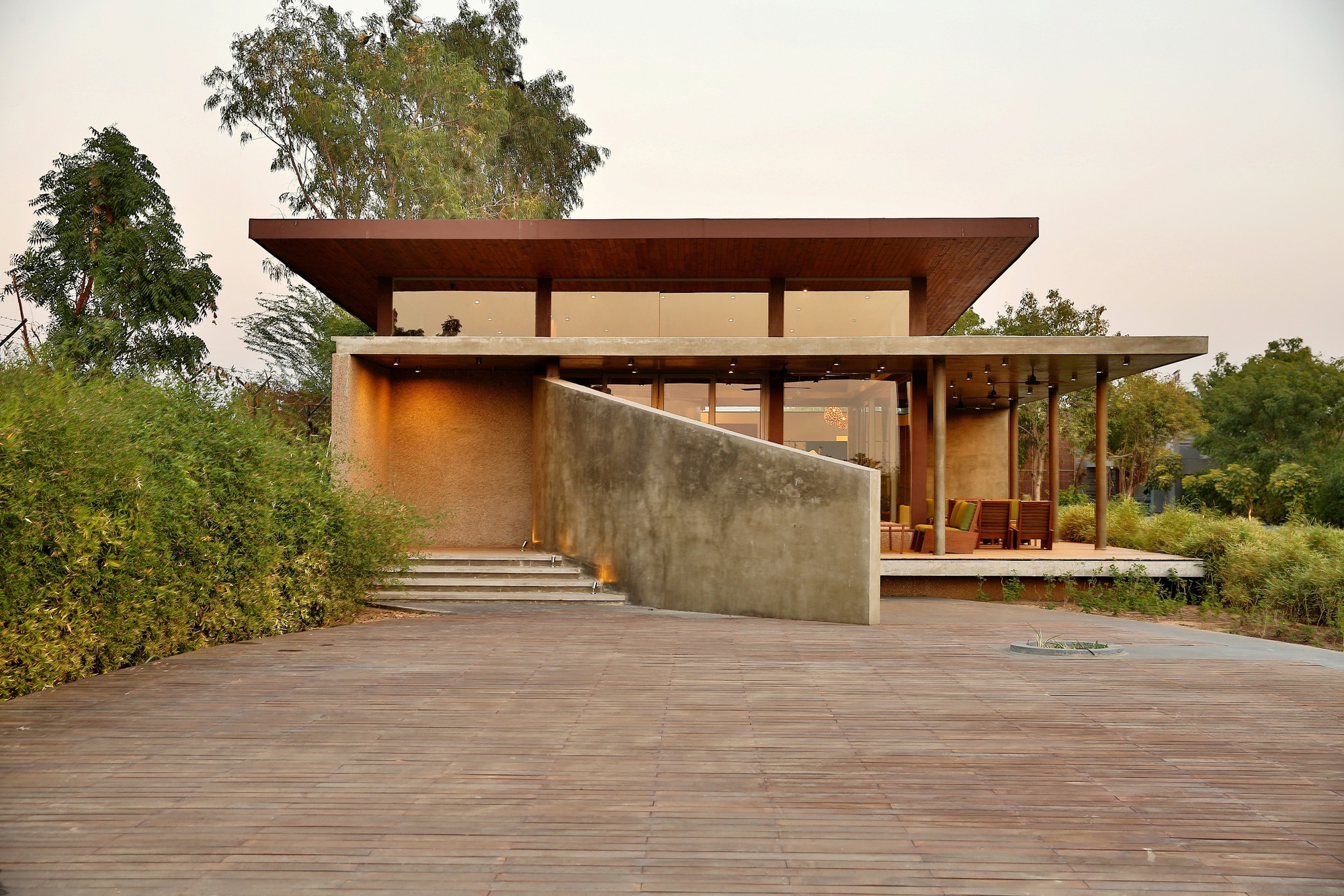 Visitors Entrance Pavilion at Glade One / Khosla Associates, © Jignesh Vishwanath