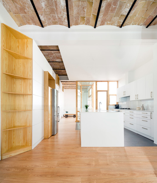 Apartment and Courtyard in Barcelona  / CAVAA arquitectes, © Filippo Poli