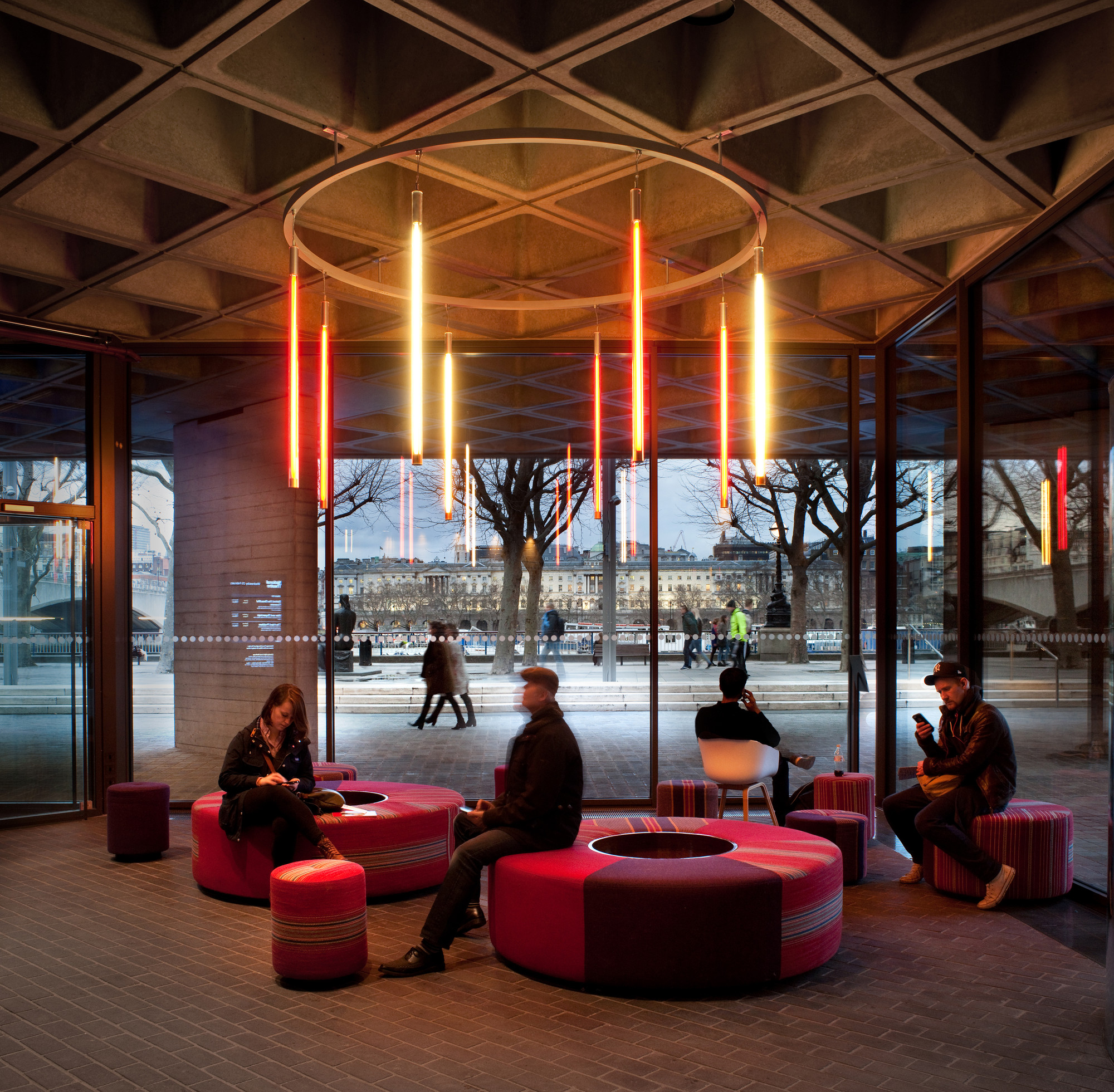 Gallery of National Theatre / Haworth Tompkins - 16