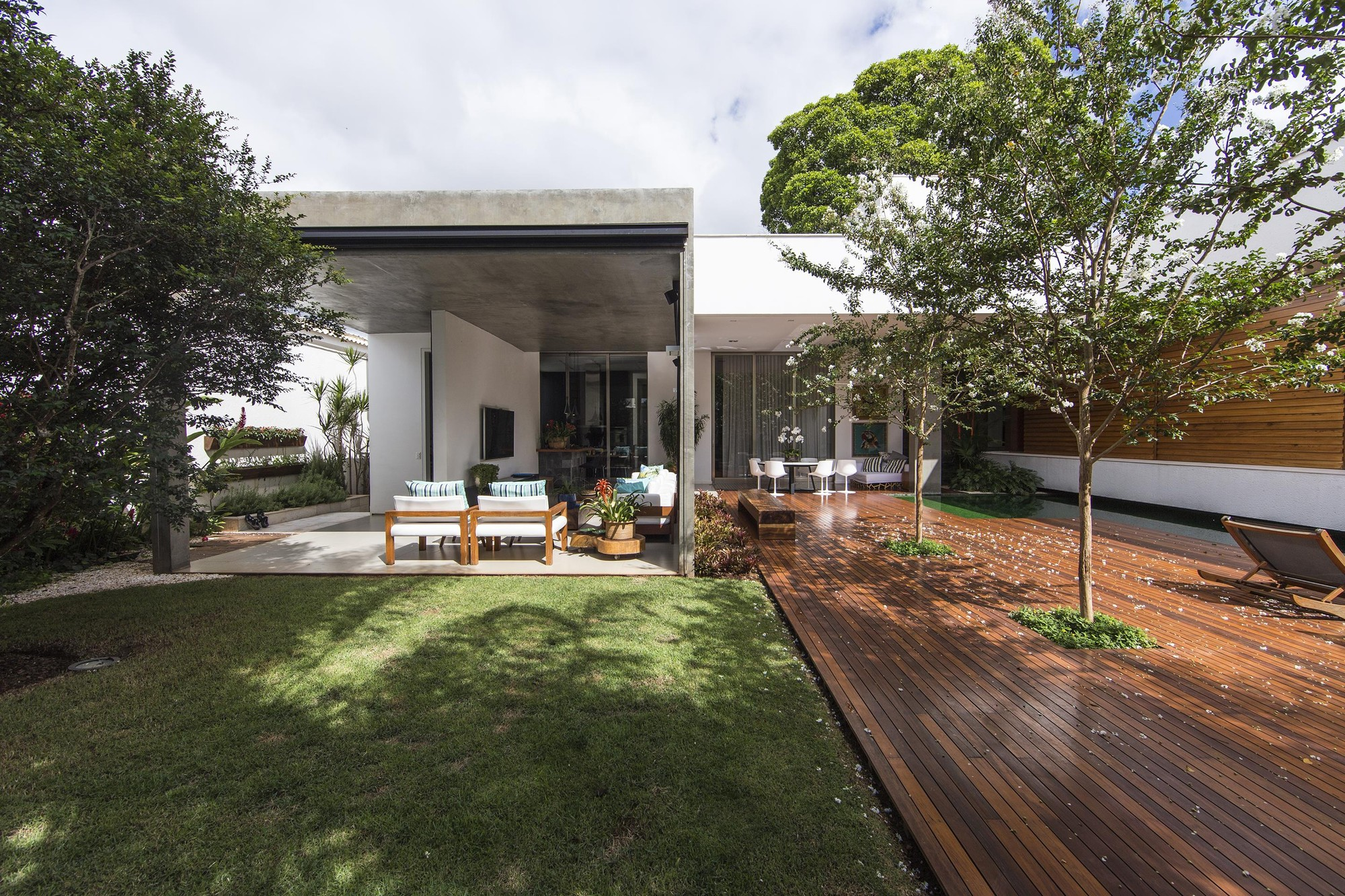 Residencia RMJ / Felipe Bueno & Alexandre Bueno, © Cae Oliveira