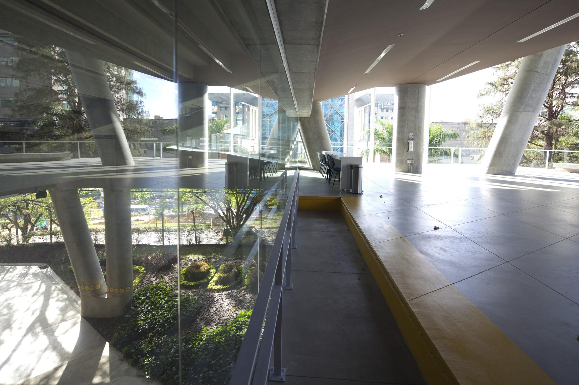 La Enseñanza  School Auditorium / OPUS + MEJÍA , © Sergio Gómez