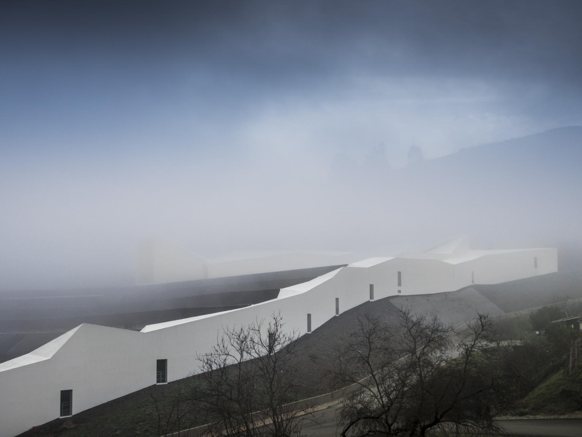 High Performance Rowing Centre in Pocinho. Imagen © Fernando Guerra | FG+SG