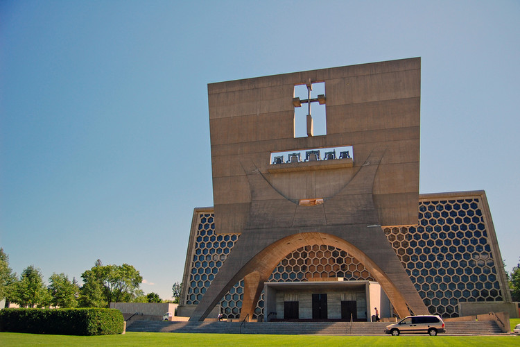 Spotlight: Marcel Breuer , St John's Abbey, Minnesota,1961. Image © Flickr user janmikeuy licensed under CC BY-NC 2.0