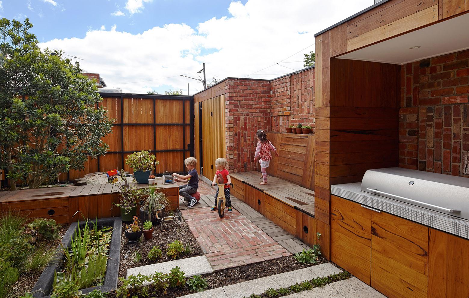 Gallery of cubo house phooey architects 12 - Casas de ladrillo visto ...