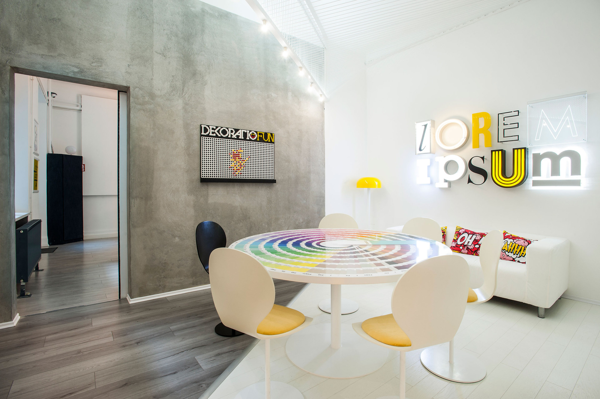 Dekoratio Branding & Design Studio / Dekoratio, © Balint Jaksa