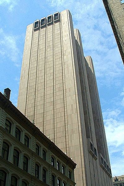 AT&T Long Lines Building in New York. Image © Wikimedia Commons user Picasa 2.0