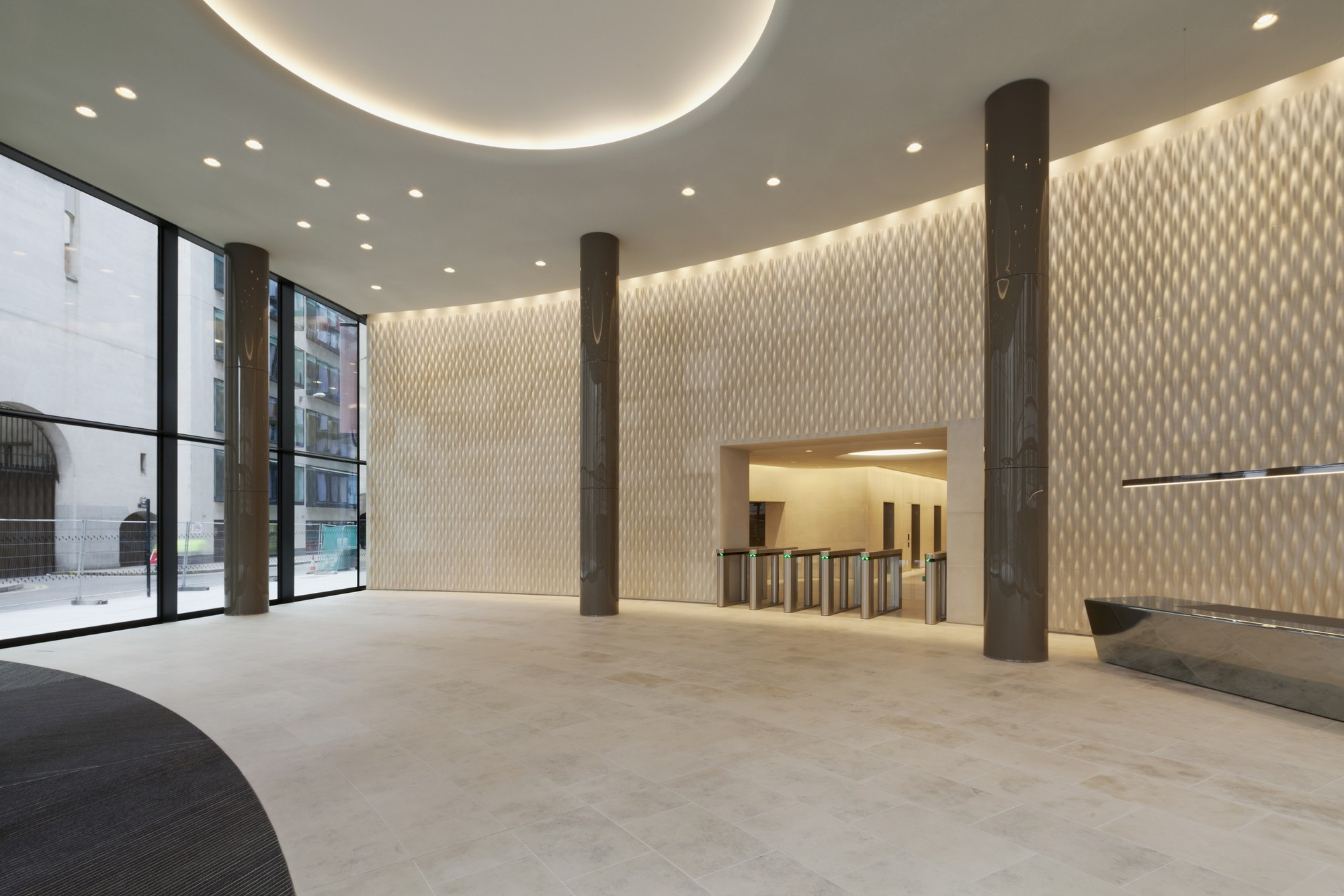 foyer of Two New Ludgate, Saierbruch Hutton. Image © Jan Bitter