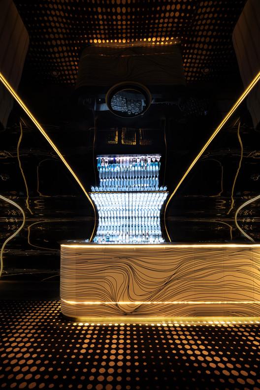 Bond Bar / HACHEM, © Shania Shegedyn