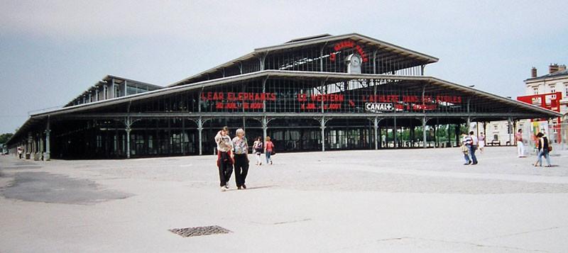 Grande halle de La Villette. Image © Vincent de Groot [Wikimedia Commons]