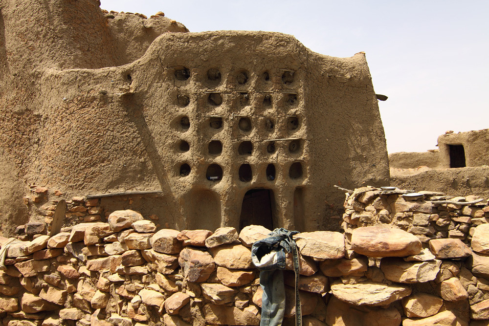Why I Created a Database to Document African Vernacular Architecture, Mali - Niongono village House of the head (patron) of one of the big families of Niongono. Image © Daniel Schumann