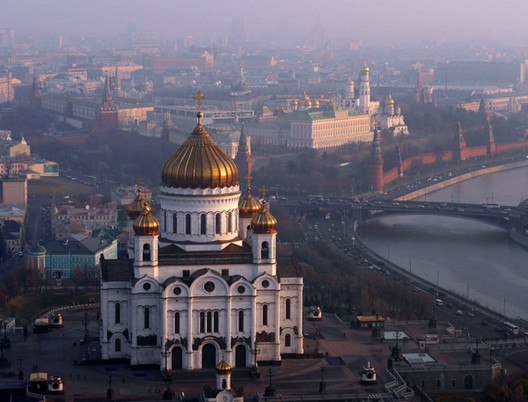Catedral de Cristo Salvador en Moscú, Rusia. Imagen © Amos Chapple
