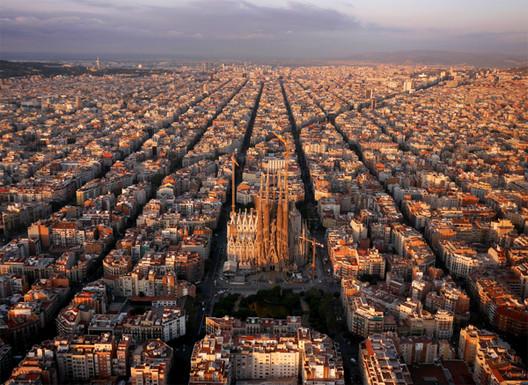 Sagrada Familia en Barcelona, España. Imagen © Amos Chapple