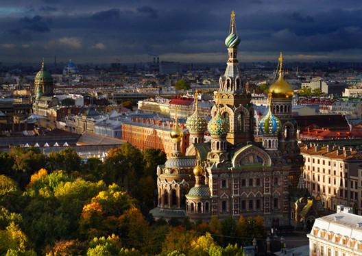 Iglesia del Salvador sobre la sangre derramada en San Petersburgo, Rusia. Imagen © Amos Chapple