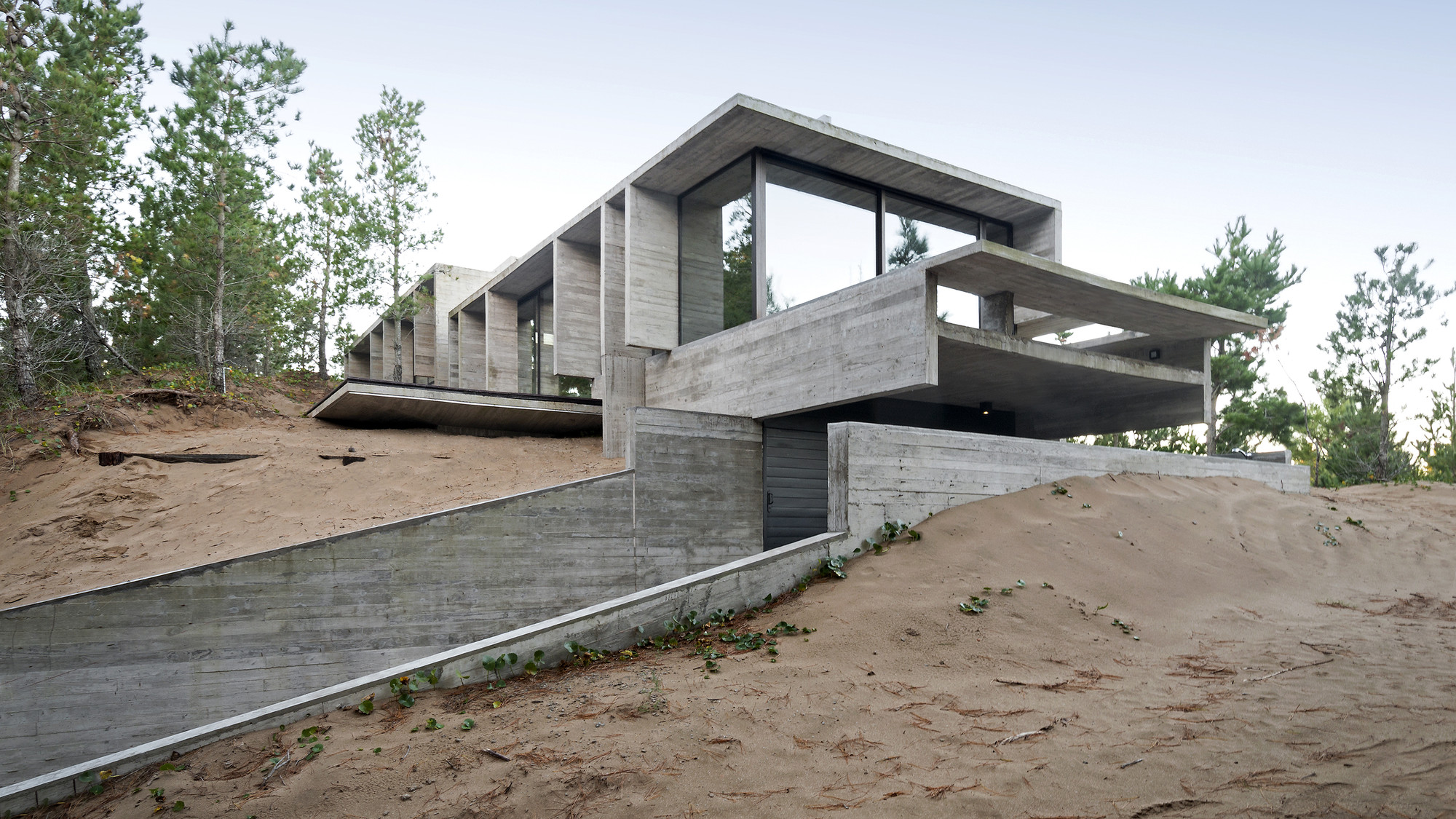 Wein House  / Besonias Almeida Arquitectos, © Daniela Mc Adden